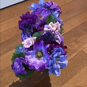 2/30$ Two bouquets of purple and pink faux flowers